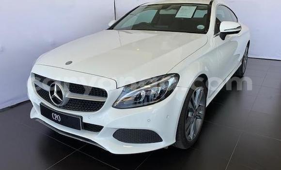 Buy Used Mercedes‒Benz C-klasse White Car in Lilongwe in Malawi