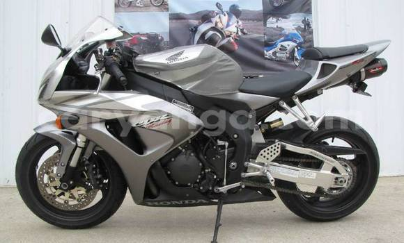 Medium with watermark 2006 honda cbr1000rr cbr1000rr motorcycles for sale 54476