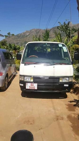 Big with watermark nissan caravan malawi blantyre 9926