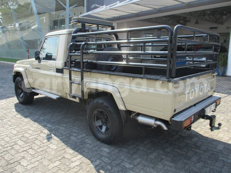 Big with watermark toyota land cruiser malawi blantyre 10097