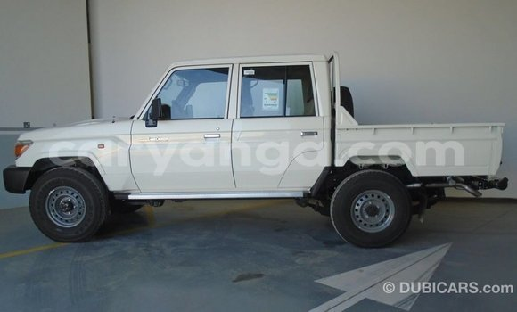 Buy Import Toyota Land Cruiser White Car in Import - Dubai in Malawi