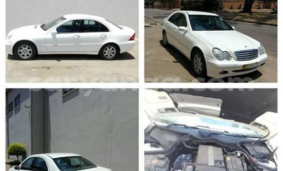 Buy Used Mercedes‒Benz 200 White Car in Limbe in Malawi