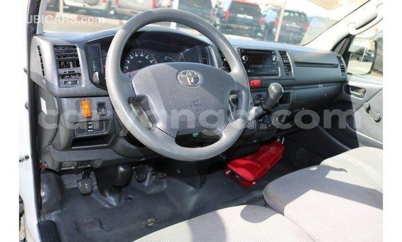 Buy Import Toyota Hiace White Car in Import - Dubai in Malawi
