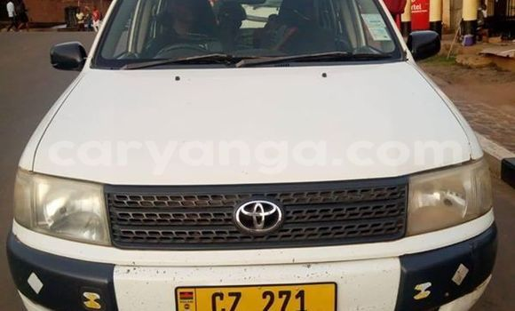 Buy Used Toyota Probox White Car in Blantyre in Malawi