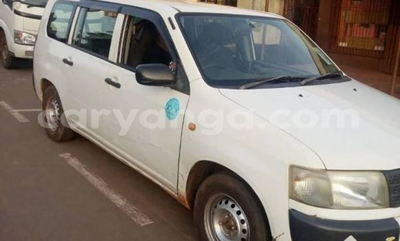 Buy Used Toyota Probox White Car in Blantyre in Malawi