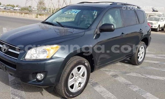 Buy Import Toyota Fielder Green Car in Import - Dubai in Malawi