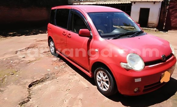 Buy Used Toyota Sienta Red Car in Lilongwe in Malawi