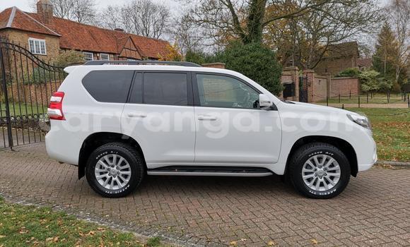 Buy Used Toyota Land Cruiser Prado White Car in Lilongwe in Malawi