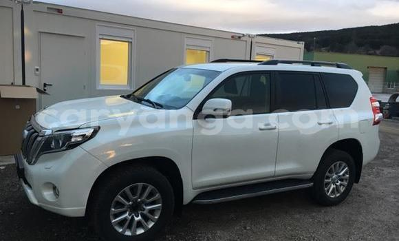 Buy Used Toyota Land Cruiser Prado White Car in Lilongwe in Malawi