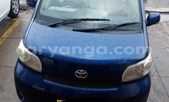 Buy Used Toyota Porte Blue Car in Limbe in Malawi