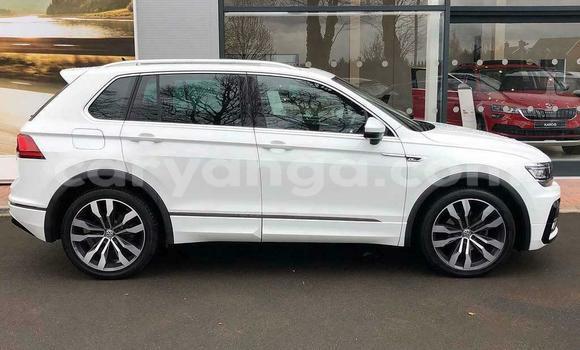 Buy Used Volkswagen Tiguan White Car in Lilongwe in Malawi