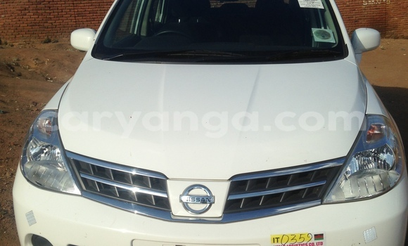 low priced f5bdb 10e87 Buy Used Nissan Tiida White Car in Lilongwe in Malawi