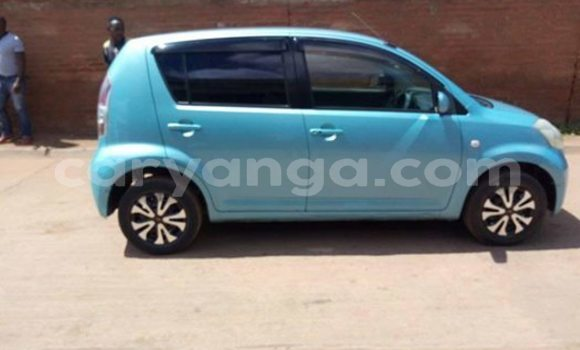 Buy Used Daihatsu Boon Blue Car in Lilongwe in Malawi