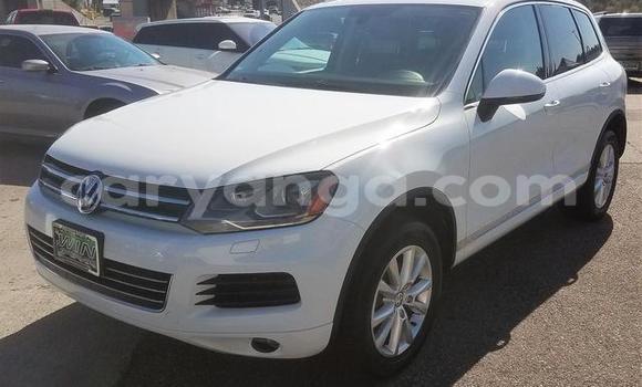 Buy Used Volkswagen Touareg White Car in Chipoka in Dedza
