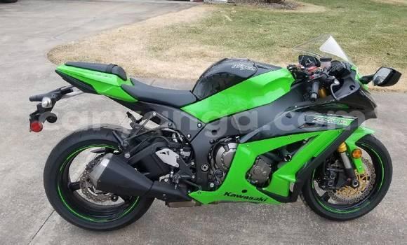 Buy Used Kawasaki Ninja ZX-10R Green Bike in Lilongwe in Malawi