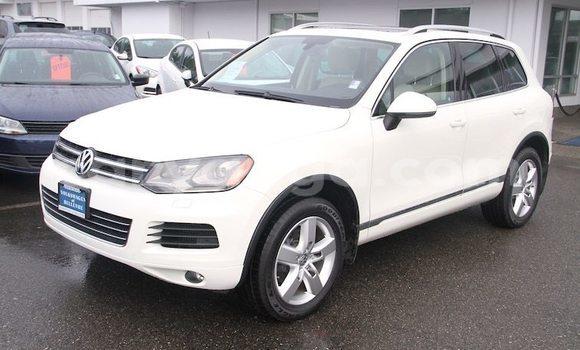 Buy Used Volkswagen Touareg White Car in Chikwawa in Chikwawa