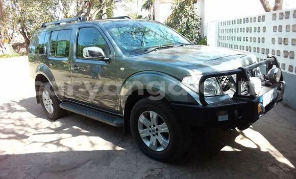 Buy Used Nissan Pathfinder Black Car in Limbe in Malawi