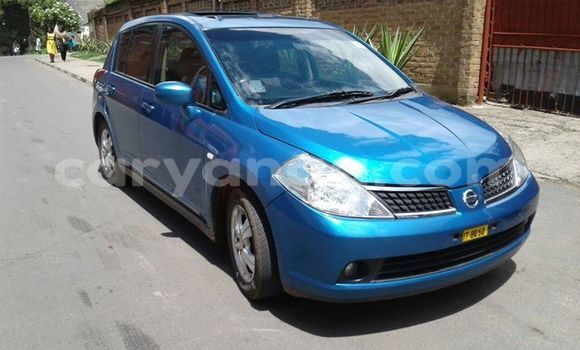 Buy Used Nissan Tilda Blue Car in Limbe in Malawi