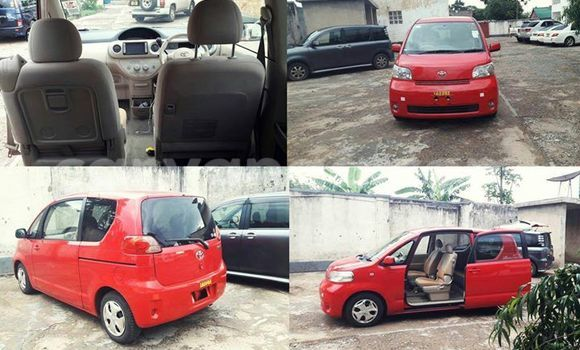 Buy Used Toyota Porte Red Car in Limbe in Malawi