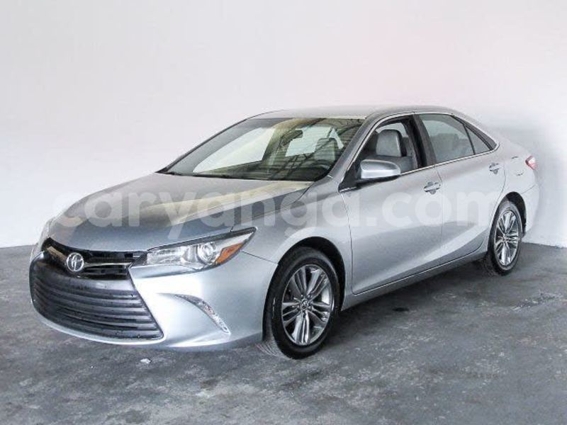 Big with watermark 2016 toyota camry pic 3590582284985973281 1024x768