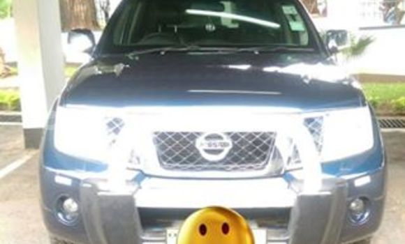 Buy Used Nissan Pathfinder Blue Car in Limbe in Malawi