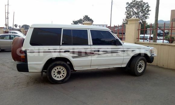 Buy Used Mitsubishi Pajero White Car in Limbe in Malawi