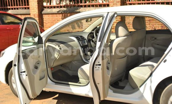 Buy Used Toyota 4Runner White Car in Lilongwe in Malawi