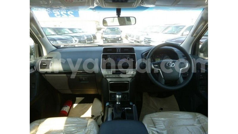 Big with watermark d964be5b 585c 4e65 84d8 69863eabf2ef