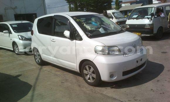 Buy Used Toyota Porte White Car in Limbe in Malawi