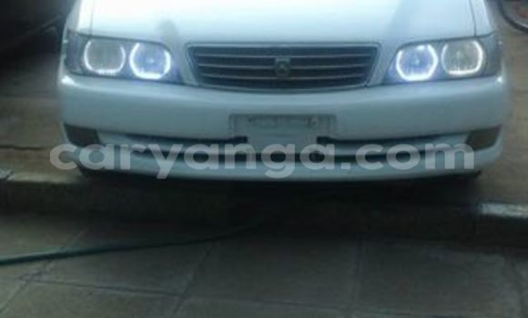 Buy Used Toyota Avensis White Car in Limbe in Malawi