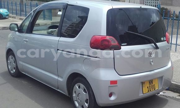 Buy Used Toyota Porte Silver Car in Limbe in Malawi