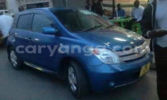 Buy Used Toyota IST Blue Car in Limbe in Malawi