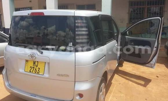 Buy Used Toyota Sienta Silver Car in Limbe in Malawi