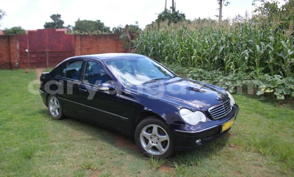 Buy Used Mercedes‒Benz 200 Black Car in Lilongwe in Malawi