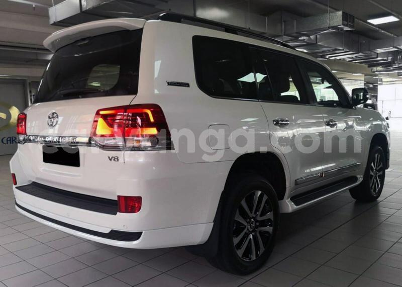 Big with watermark toyota land cruiser dowa dowa 6567