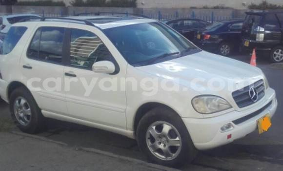 Buy Used Mercedes‒Benz ML–Class White Car in Limbe in Malawi