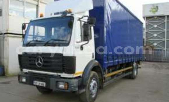 Buy Used Mercedes‒Benz 1820 White Truck in Lilongwe in Malawi