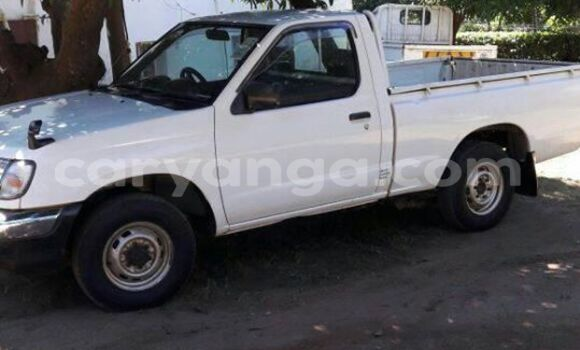 Buy Used Nissan Pickup White Car in Limbe in Malawi