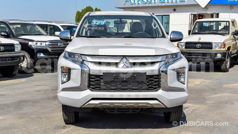 Big with watermark mitsubishi l200 malawi import dubai 6875