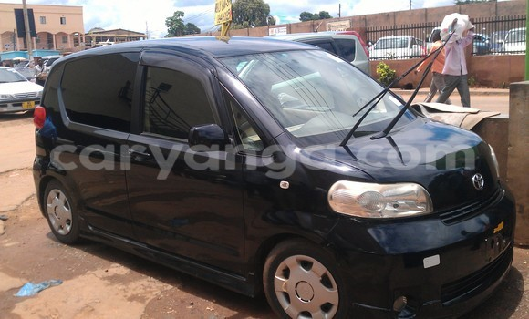 Buy Used Toyota Porte Black Car in Lilongwe in Malawi