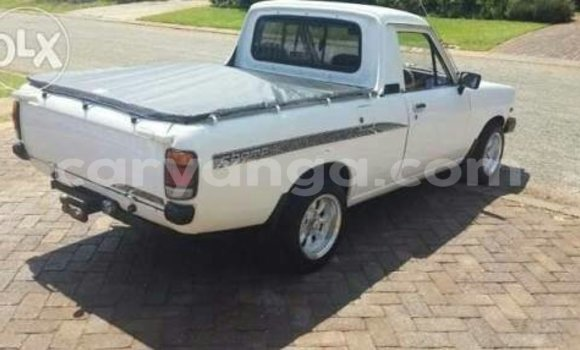 Buy Used Nissan Pickup White Car in Nkhotakota in Malawi