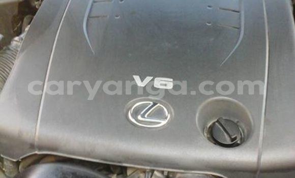 Buy Used Lexus ES 300 White Car in Limbe in Malawi