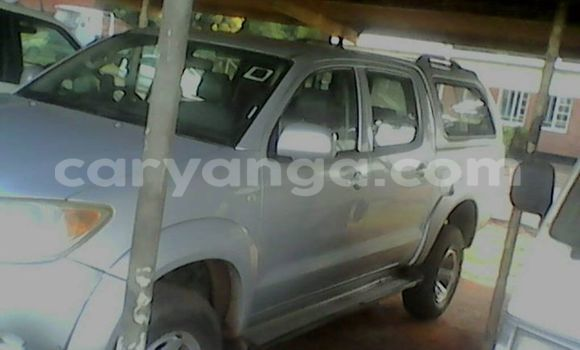 Buy Used Toyota Hilux Silver Car in Limbe in Malawi