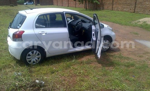 Buy Used Toyota Vitz White Car in Limbe in Malawi