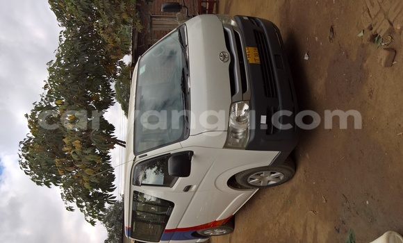 Buy Used Toyota Hiace White Car in Lilongwe in Malawi