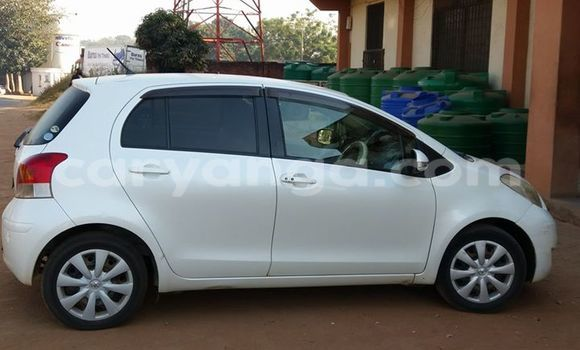 Buy Used Toyota Vitz White Car in Limete in Malawi