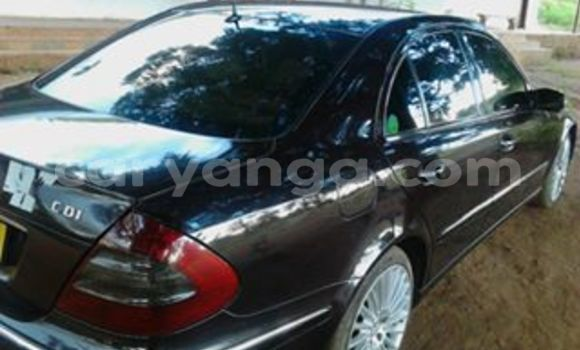 Buy Used Mercedes‒Benz E–Class Black Car in Limete in Malawi