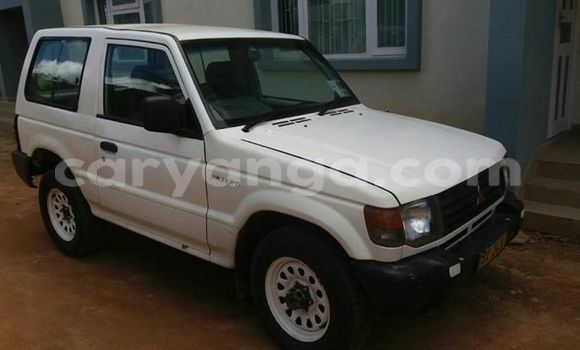 Buy Used Mitsubishi Pajero White Car in Limete in Malawi