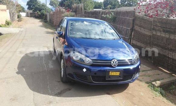 Buy Used Volkswagen Golf Blue Car in Limete in Malawi