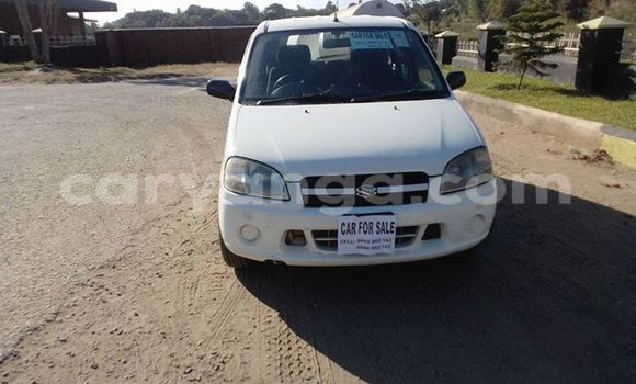 Buy Used Suzuki Swift White Car in Limete in Malawi